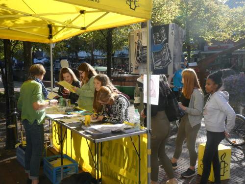 Amnesty auf dem Weltkindertag in Papenburg
